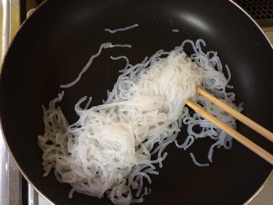糸こんにゃくときのこの煮浸し