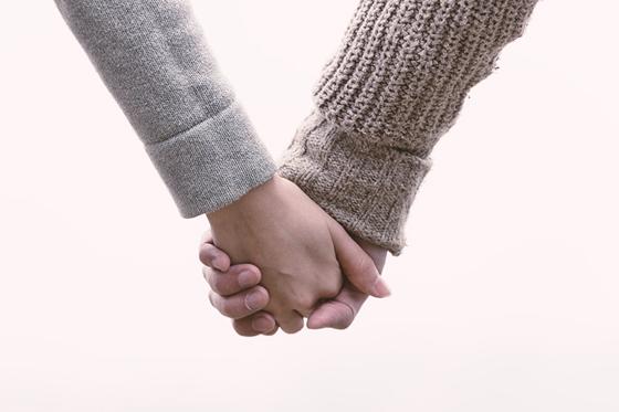結婚してもずっとラブラブでいる方法…夫婦のスキンシップは大切