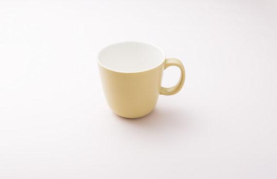 コーヒーカップ置くなら中身も入れろよ
