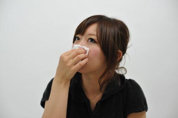 冬に鼻が乾燥し痛くなるドライノーズの症状や予防法…加湿が大事