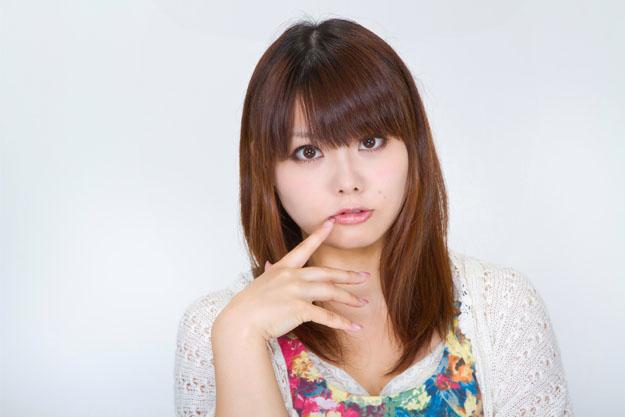 唇の乾燥の原因や対策まとめ…リップクリームでのケアは荒れる前に!