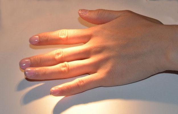 爪磨きを初めてしてみた…短時間で手軽に地爪が綺麗になるよ