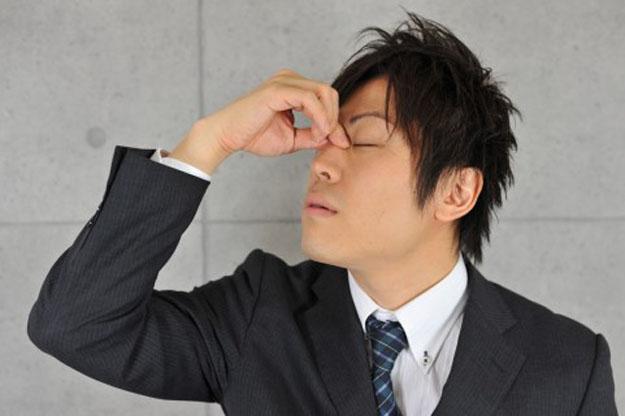 ドライアイの原因や改善方法まとめ…おすすめの目薬も紹介
