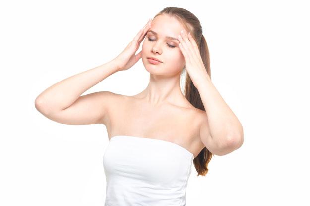 偏頭痛の症状と対策まとめ…女性に多くストレスに注意!