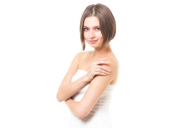 脇がかゆいときや痛いときの原因や対処法…放置は黒ずみの原因になる