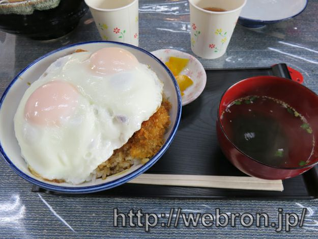 おかき屋 辰心の岡田のカツ丼