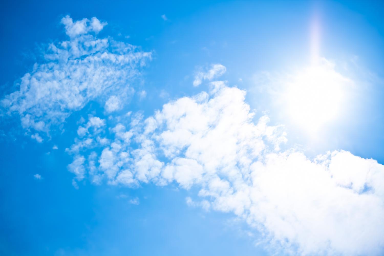 春からの紫外線対策まとめ…外を出歩くならUVカットの服を着て日焼け防止しよう