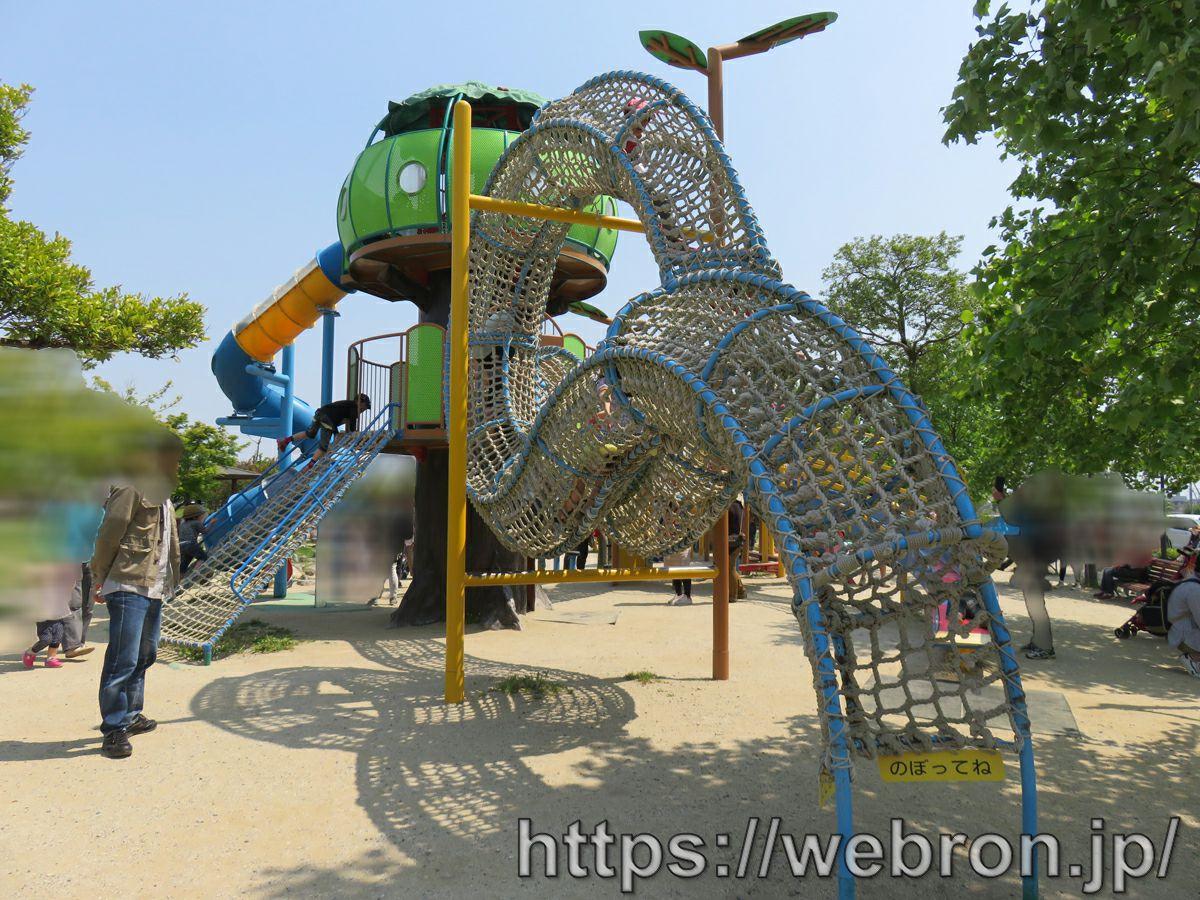 愛知県刈谷市「フローラルガーデンよさみ」感想…遊具が少なめの公園