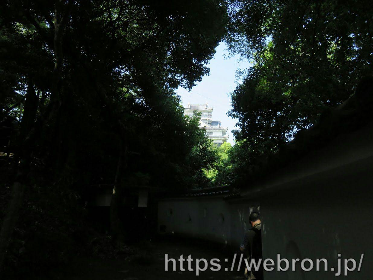 岐阜城への道