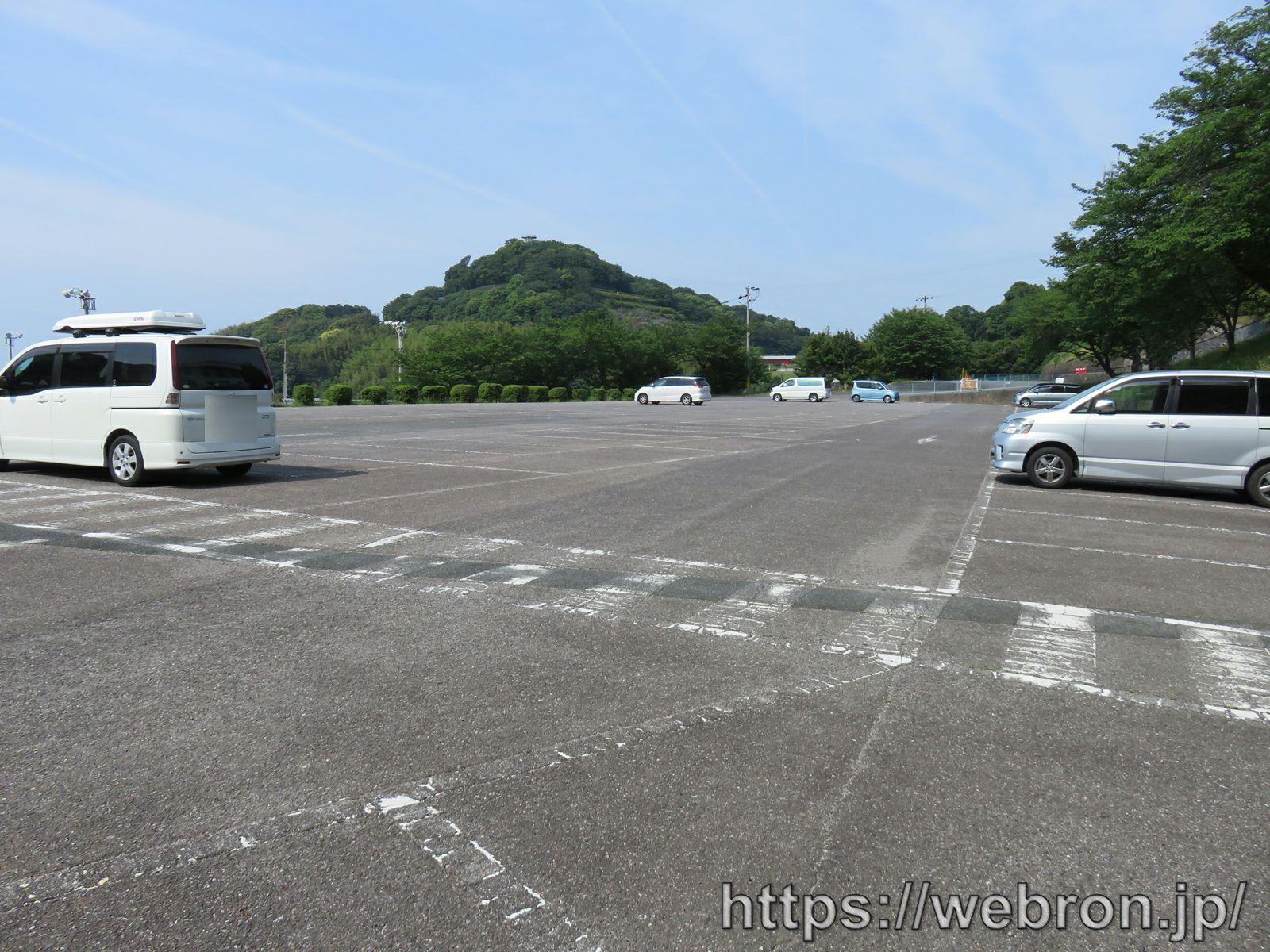 愛知こどもの国の駐車場