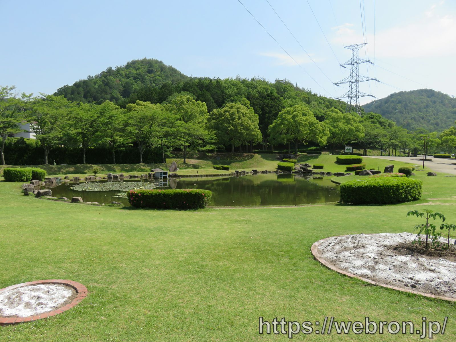 岐阜ファミリーパークの池
