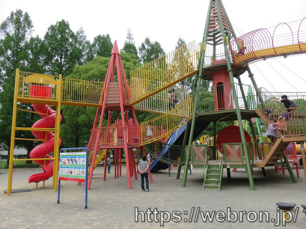 岐阜県「長良公園」感想…動きたくない親向けで遊具は少なめ