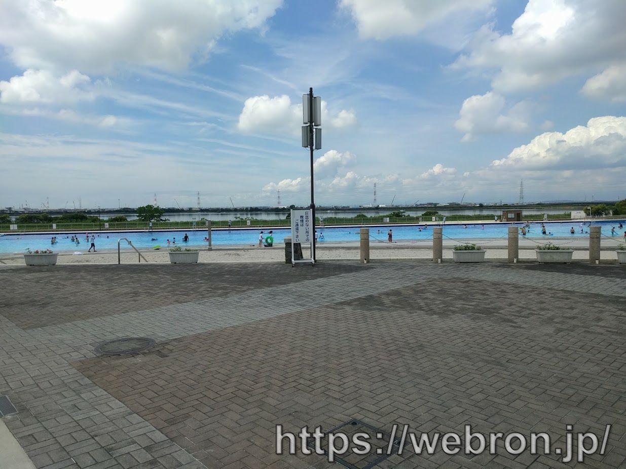 サンビーチ日光川のプール