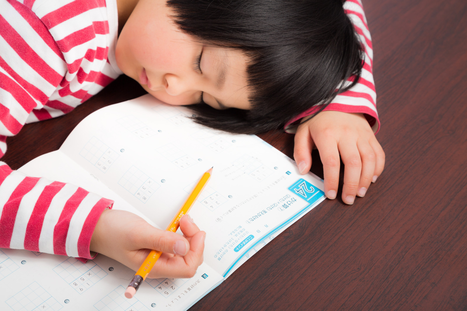 夏休みの宿題のやり方で子供が成功するかどうかわかる…積み重ねの大事さだけは教えたい