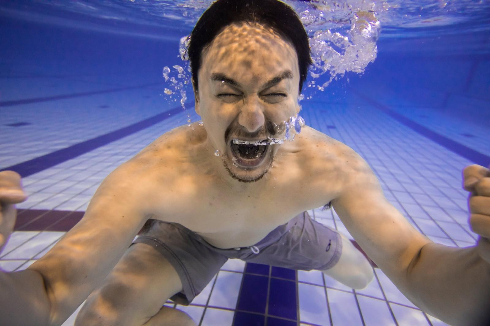 33歳まで泳げなかったパパが子供に教えた泳ぎ方まとめ…水に顔をつける恐怖心を取り除けばすぐ泳げます