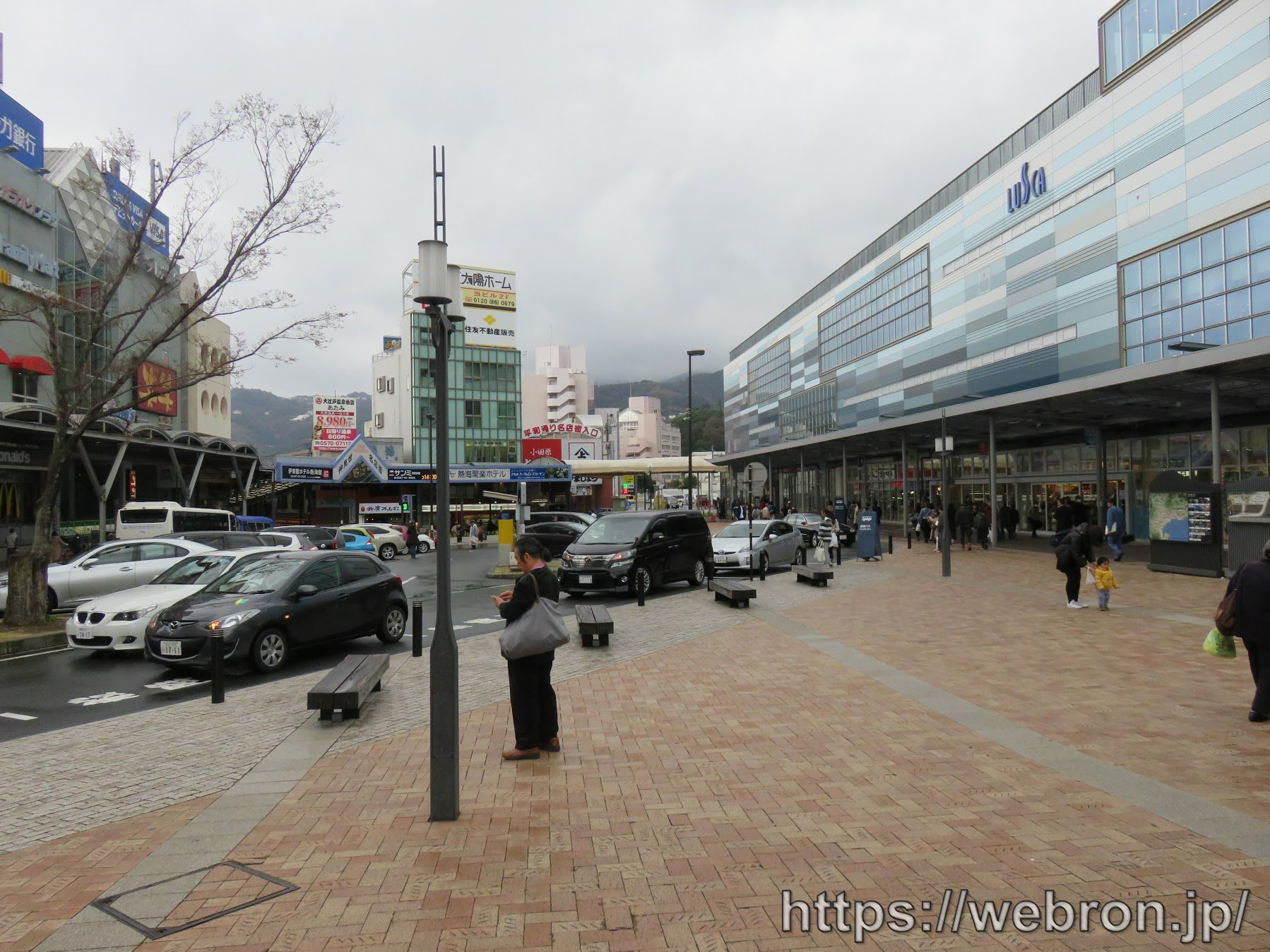 熱海駅前の送迎バスが来るエリア