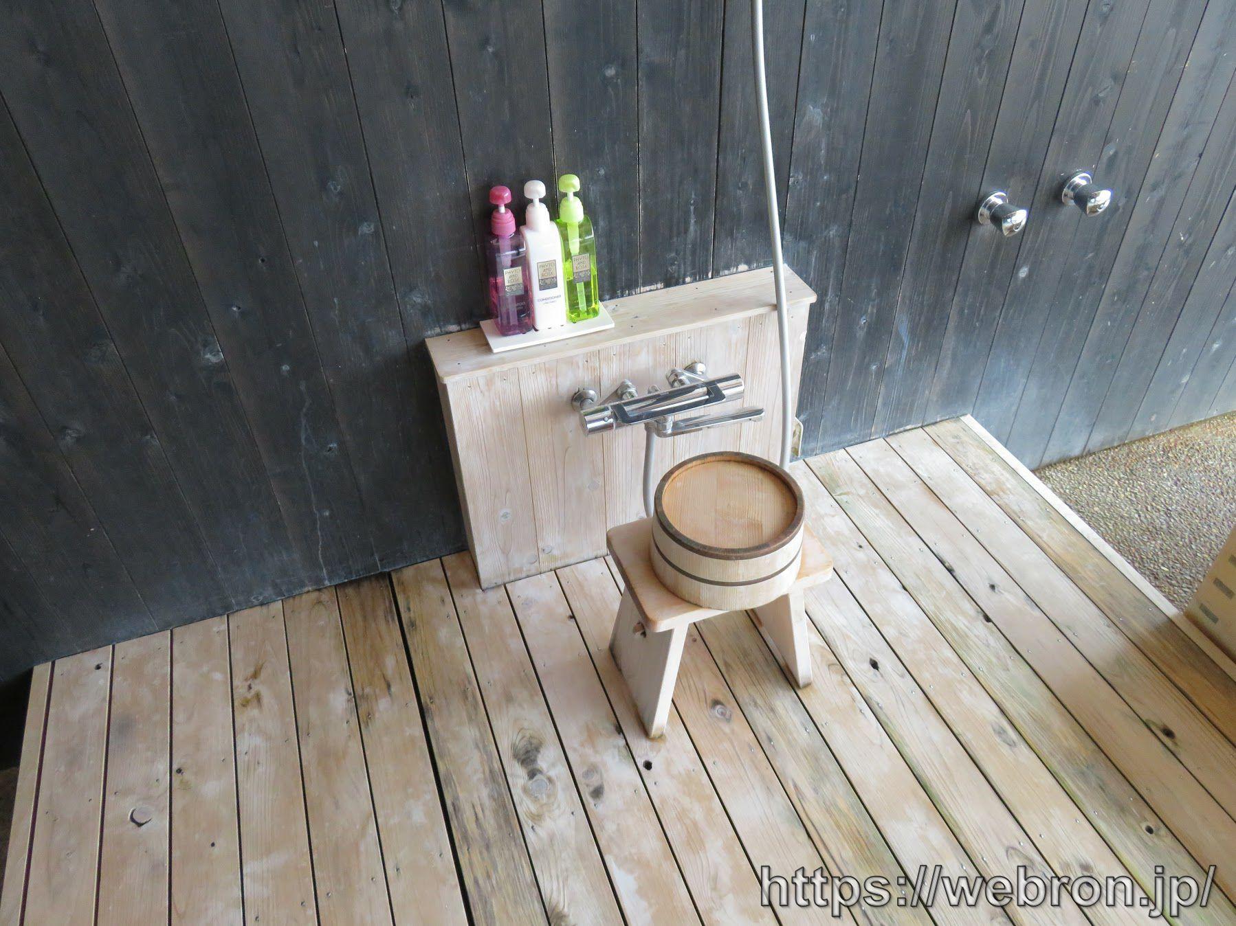 風の間の客室露天風呂